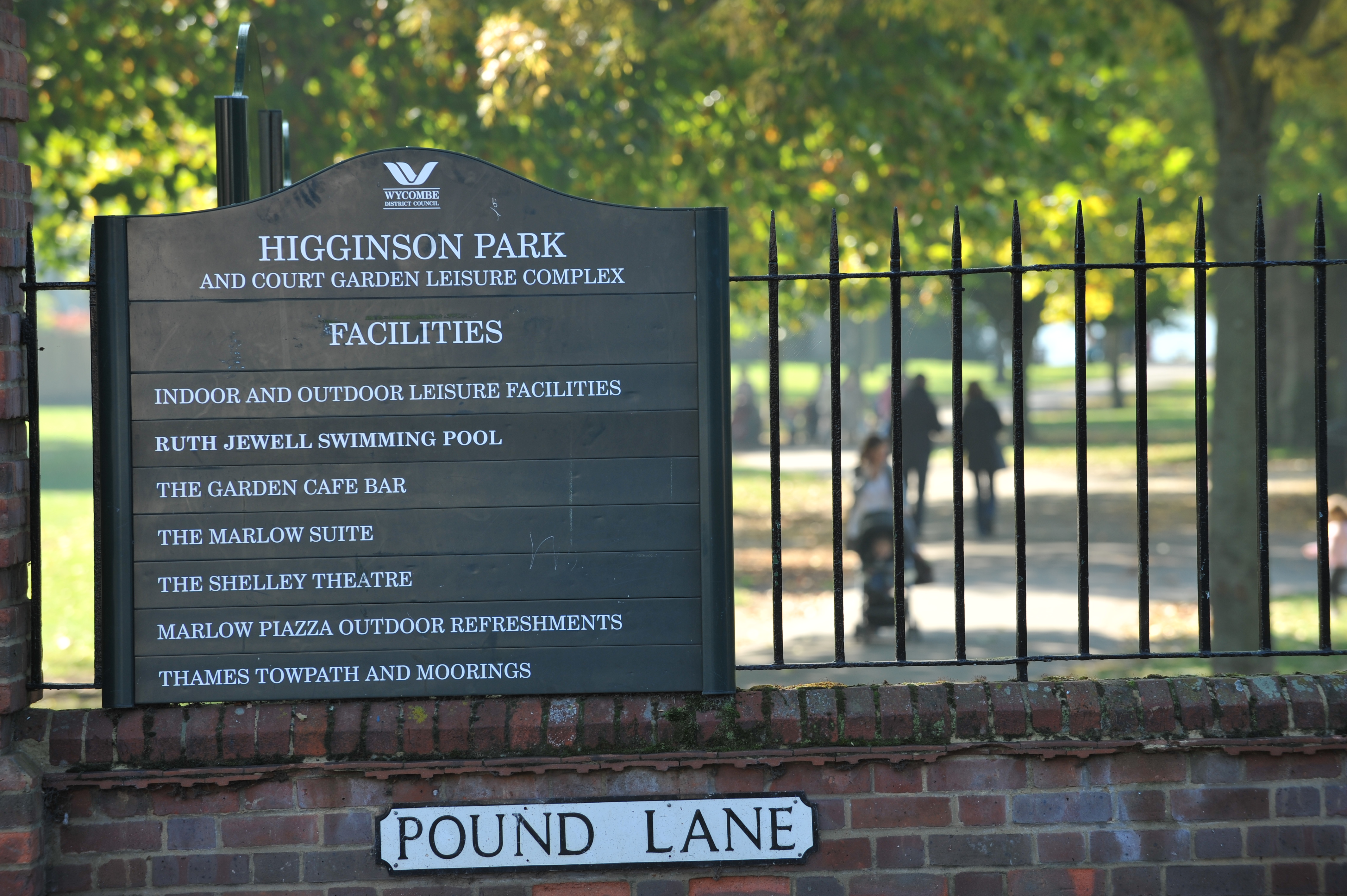 Higginson Park and Court Garden entrance sign